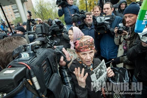 Журналистов больше, чем активистов с обеих сторон