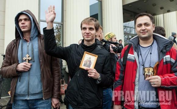 Православные активисты охотно разрешают себя фотографировать