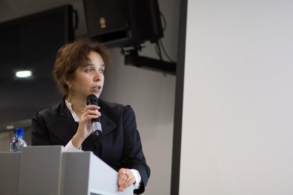 Елена Тополева - директор Агентства социальной информации