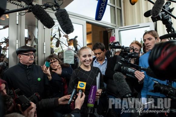 Адвокат Екатерины Самуцевич Ирина Хрунова дает комментарии после завершения заседания