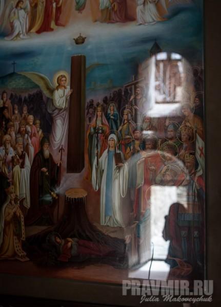 Икона «Слава Грузии» — все грузинские святые вокруг Животворящего столба над могилой святой Сидонии с Хитоном Господним
