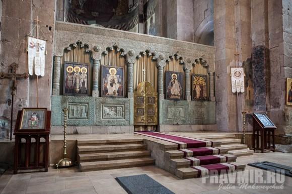 Иконостас центрального предела собора Светицховели — современный, нач. 2000-х годов