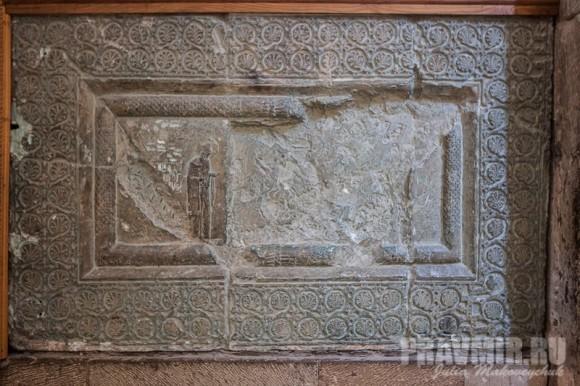 Традиционный грузинский орнамент — виноградная лоза