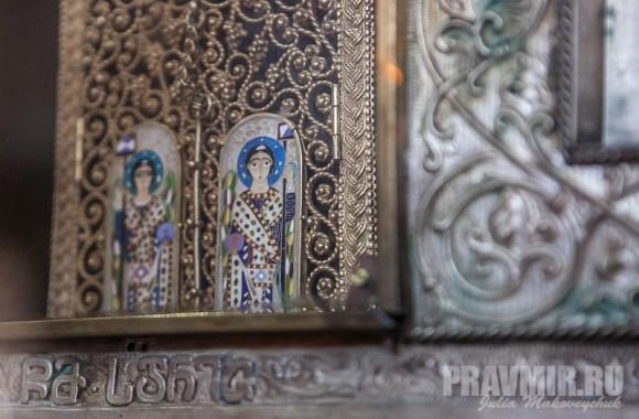 Фрагменты креста: архангелы Гавриил и Михаил