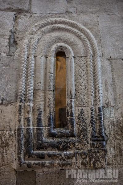 Окно часовни Гроба Господня