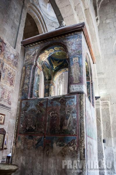 Башня над могилой Сидонии и Хитоном Господним