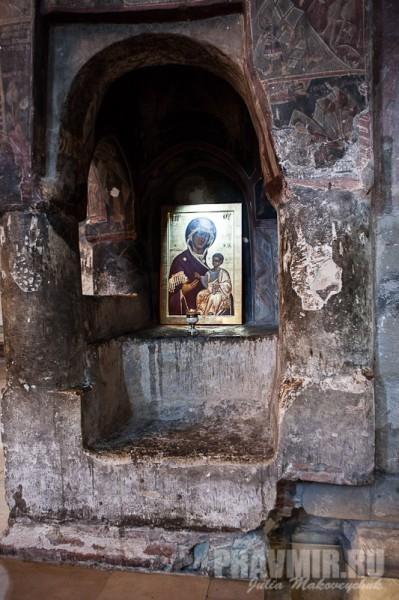 Почти в каждом храме Грузии есть чтимый список Иверской иконы