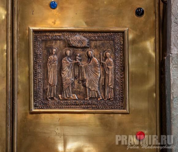 Фрагменты Царских врат центрального иконостаса