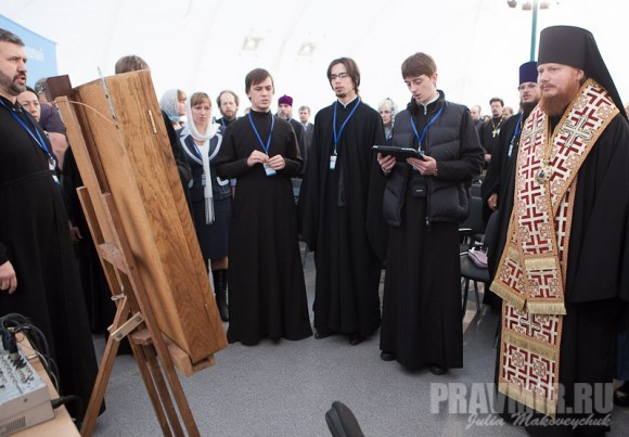 Молебен перед началом фестиваля