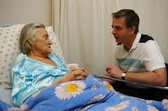 Как и о чем говорить с тяжелобольными? 7 правил медсестры Джиллиан Берн (+ФОТО)