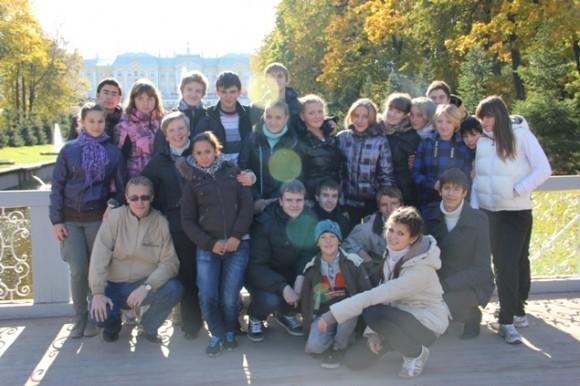 Елена Владимировна Янина (во втором ряду вторая слева) - Педагог с большой буквы со своим волшебным классом поистине взрослых детей
