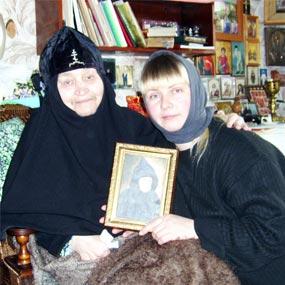 На послушании по уходу за схимонахиней Анастасией, келейницей матушки Сепфоры