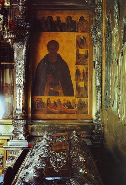 Икона преподобного Сергия Радонежского с житием у раки святого