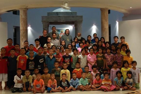 В детском доме для детей бирманских беженцев в Таиланде