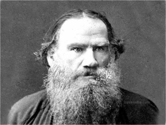 Лев Толстой. Лишился родителей в 9 лет. Один из самых почитаемых писателей в мире