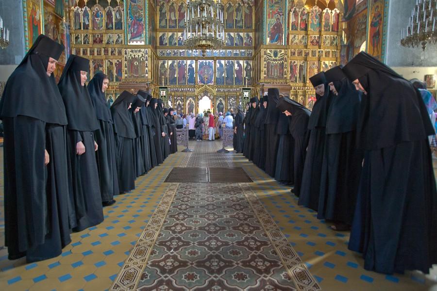 Как живут в монастыре