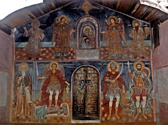 Фрески в притворе храма Введения Пресвятой Богородицы при костнице монастыря