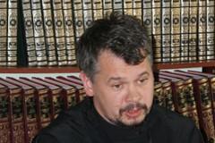 Протоиерей Виктор Теплицкий: Тишина из шелеста страниц — основа молитвы