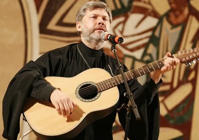 Священник Евгений Тремаскин