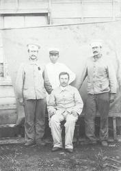 Гавриил Михайлович Масленников (крайний слева) в японском плену. Япония, г.Наросино. 1905 год