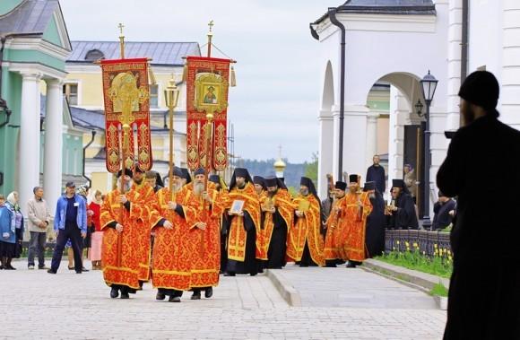 Крестный ход на источник прп. Пафнутия Боровского, 2011 г.