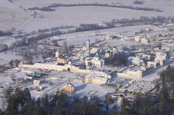 Вид монастыря с высоты птичьего полета (зима)