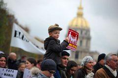 Французы протестуют против гомосексуальных браков — более 100 000 человек вышли на митинги (ФОТО)