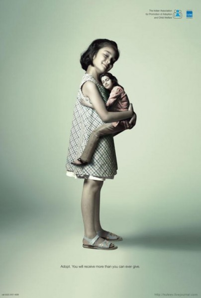 Реклама, созданная агентством Ogilvy & Mather Ltd по заказу Indian Association for Promotion of Adoption and Child Welfare (индийская ассоциация по охране детства и содействию усыновления детей) в апреле 2007