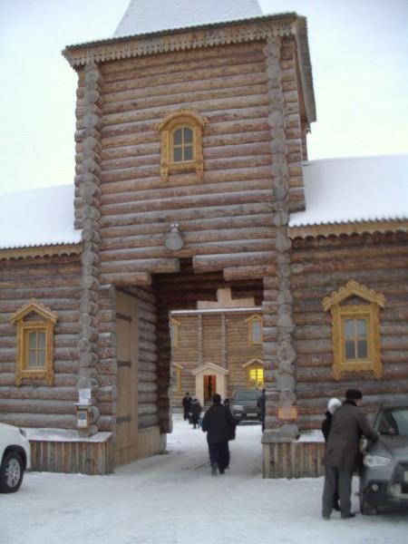 Святые врата монастыря, 2012 г.