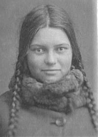 Внучка митрополита Серафима, Варя Чичагова, студентка техникума, 1930-е годы. Фото: chichagovs.narod.ru
