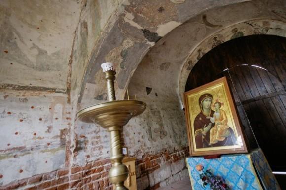 Привратная часовня в честь Иверской иконы Божьей Матери