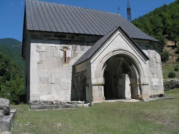 Восстановленный Схалтский храм