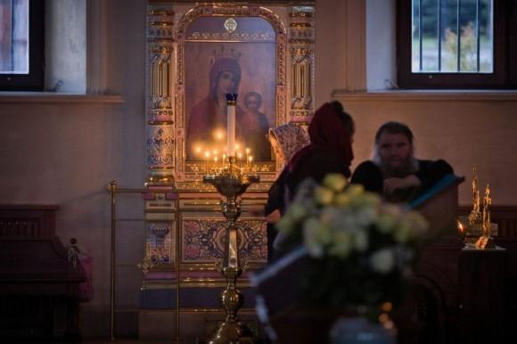 После вечерней службы в Успенском храме