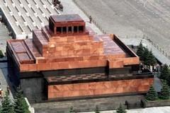 О святых мощах и мавзолее Ленина