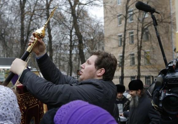 Молебен у храма св. Александра Невского (18)