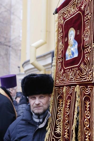 Молебен у храма св. Александра Невского (15)