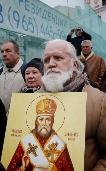 Молебен у храма св. Александра Невского (12)