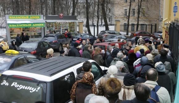 Молебен у храма св. Александра Невского (11)