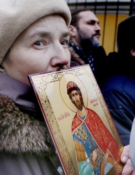 Молебен у храма св. Александра Невского (7)