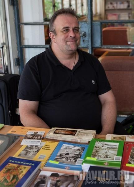 Шабашенков Леонид, прихожин храма в Гонконге, активный помошник в организации торжеств