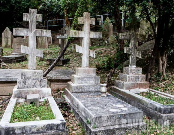 могилы прот. Димитрий Успенского, его жены и дочери