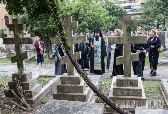 Лития на могиле прот. Димитрия Успенского