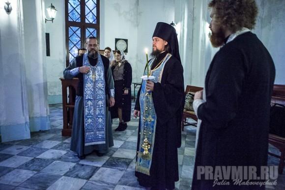 Панихида по всем православным сродникам, захороненным на колониальном кладбище в Гонконге