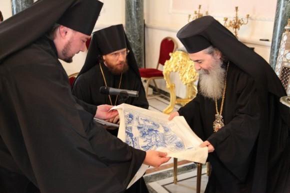 С Патриархом Иерусалимским Феофилом ІІІ. 2011 год
