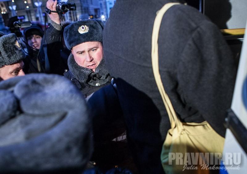 Пикеты против запрета усыновления зарубеж у Государственной Думы. Фото Юлии Маковейчук (18)