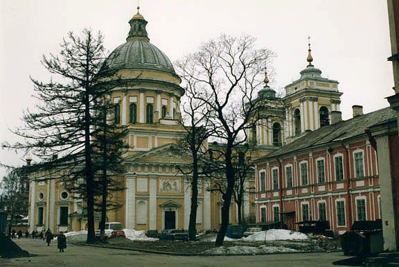 Десять новых колоколов поднимут на колокольню собора Александро-Невской Лавры