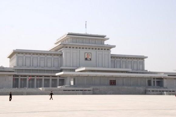 Мавзолей Ким Ир Сена в Северной Корее