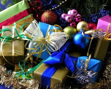 """Началась акция по сбору подарков для неимущих """"Дари радость на Рождество!"""""""
