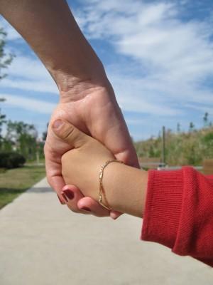 Семьям без собственного жилья могут разрешить усыновлять детей