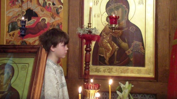 Иконы Рождество и Феодоровская в церкви Новомучеников. Санкт-Петербург